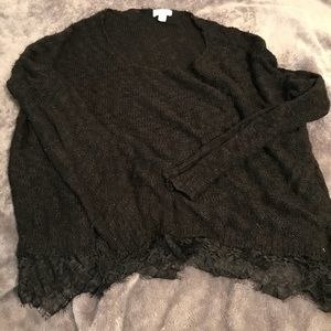 Laced thin sweater